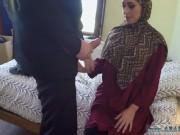 شرموطة عربية عايزة حدا يفشخها نيك وسكس في كسها