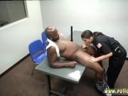 شرطية أمريكيه مع مسجون أسمر بزبر كبير
