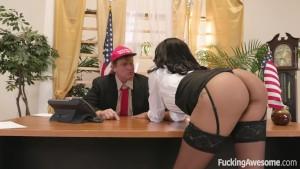 الرئيس مع شرموطته