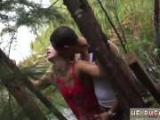 شاب قوي عنتيل بينيك بنت في الغابه